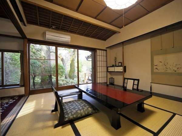 【別館 菊華荘 和室(一例】8畳+6畳又は10畳+6畳の2間続きのお部屋です。