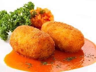 【洋食プリフィクスディナー】主菜メニュー一例:蟹クリームコロッケ