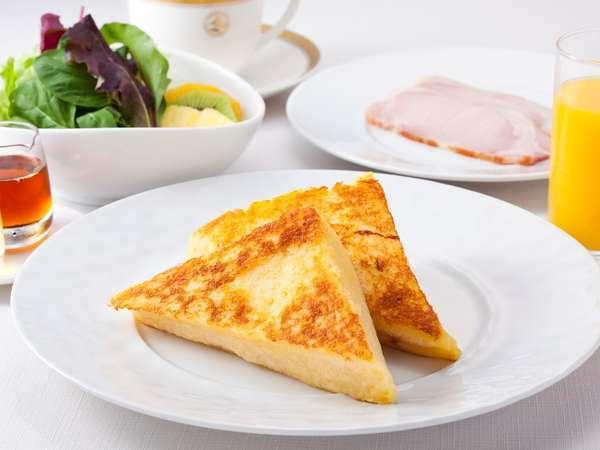【ケーキブレックファースト】人気の「フレンチトースト」