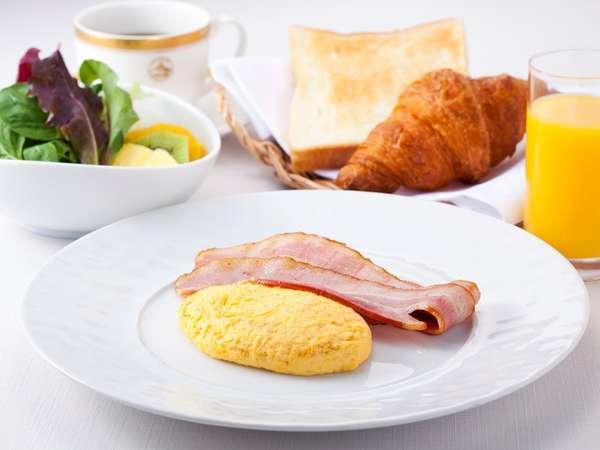 【アメリカンブレックファースト】5種類から選べる卵料理・ホテル自慢のパンをご賞味ください。