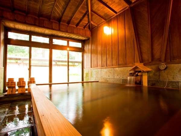 別館「菊華荘」にある貸切檜風呂(菊華荘に宿泊のお客様のみ利用可)