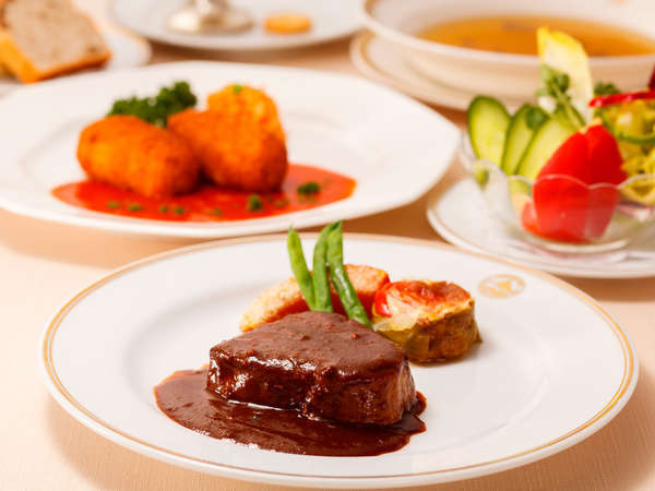 お好きな料理を選んで、オリジナルディナーコースをお作りいただけます♪