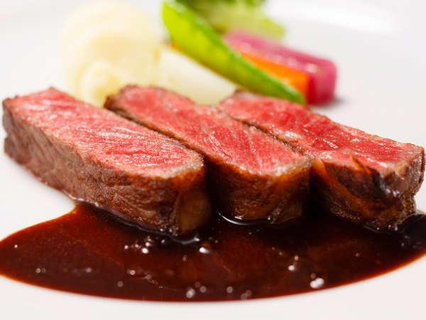料理長おすすめディナー「セゾン」:牛サーロインのステーキ マルシャンドヴァン