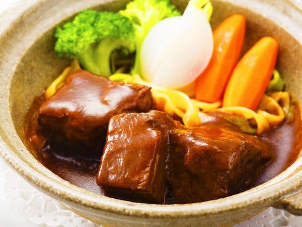 プラン限定ディナーコース肉料理「ビーフシチュー季節の野菜添え」