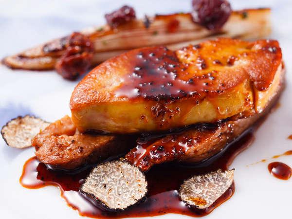 ディナーコース「富士屋浪漫」鴨胸肉とフォアグラのポワレ トリュフソース