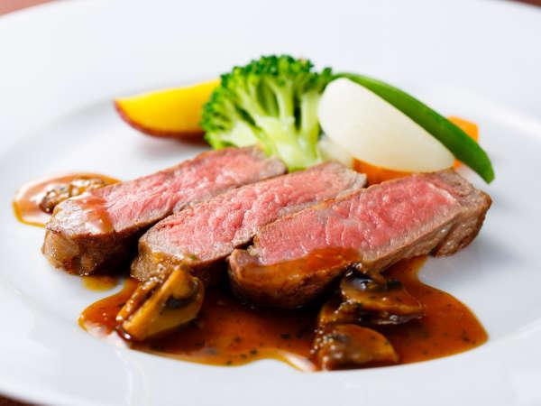 ディナーコース「セゾン」牛ロース肉のロースト シャスール風