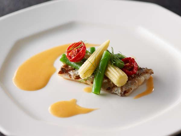 「富士屋浪漫」太刀魚のグリル トマト入りブールブランソース