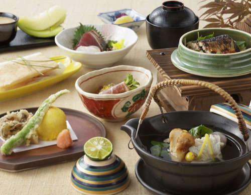 ≪9、10月限定≫日本料理/歌留多◆秋の味覚膳◆宿泊プラン【一泊二食&天然温泉付】
