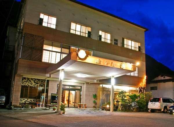 奥飛騨温泉郷 新平湯温泉 ホテル 寿の外観
