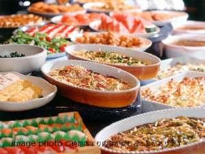【バイキング】和食・洋食・中華にデザートも豊富にご用意!いざ食べ放題へ!