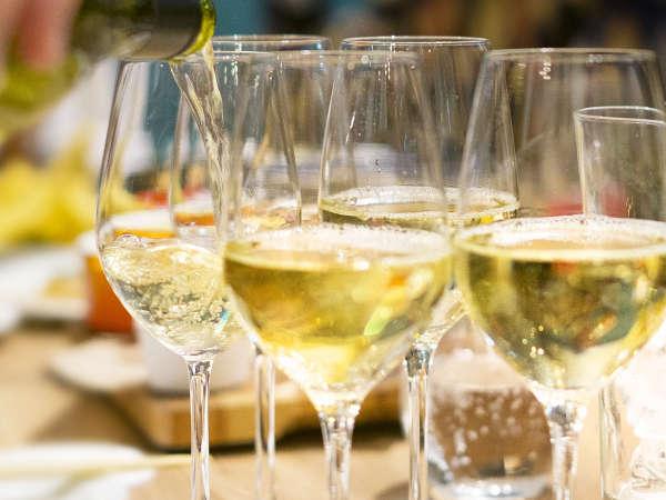 【ヌーボーde乾杯!】11月3日解禁!2018年新酒ワイン・山梨ヌーボーを夕食時グラスにて1杯プレゼント