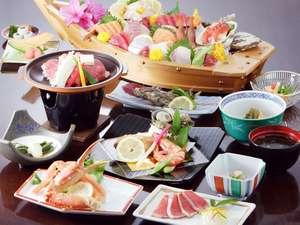 舟盛り付き夕食一例浜通りならではの海鮮が自慢です