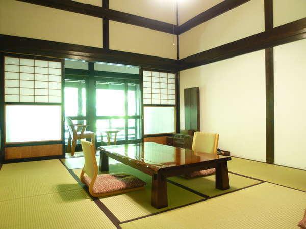 【古民家風離れ】〜ツインベッドルームと和室10畳のコネクティングルーム〜
