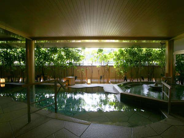 □趣の異なる3つの大浴場、個性的な18のお風呂を男女時間帯入れ替えにて、湯めぐりをお楽しみください。