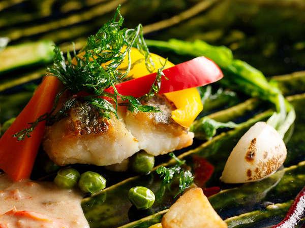 カジュアルフレンチ料理一例(写真はイメージです。ご参考程度にご覧ください)