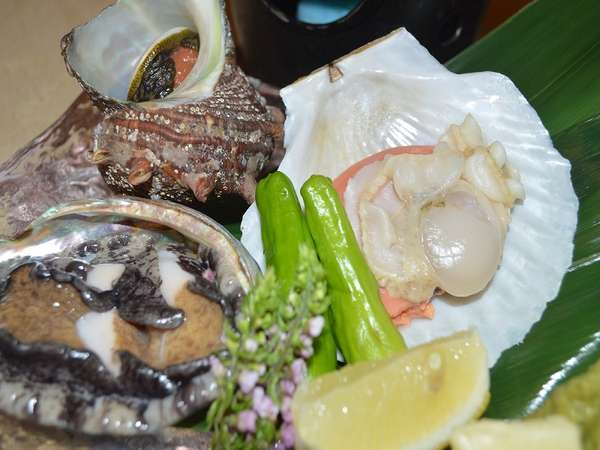 【 創業55周年記念・期間限定!】※海鮮焼き<鮑&サザエ&ホタテ>+旬の地魚チョイスプラン