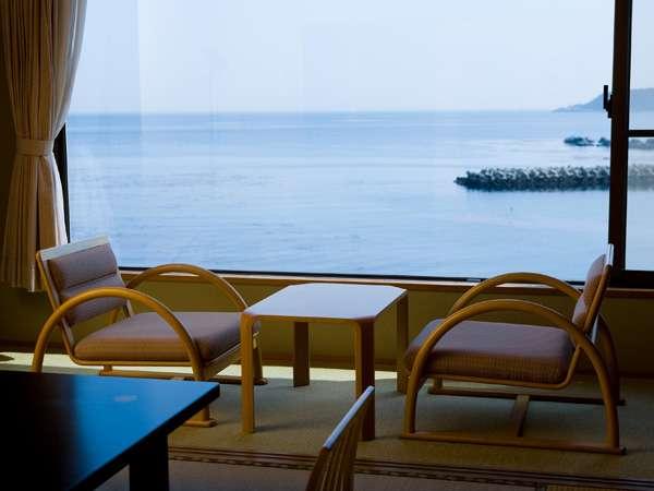 【朝食だけプラン】いっぱい遊んだあとは温泉と海の見えるお部屋でごゆっくりと♪