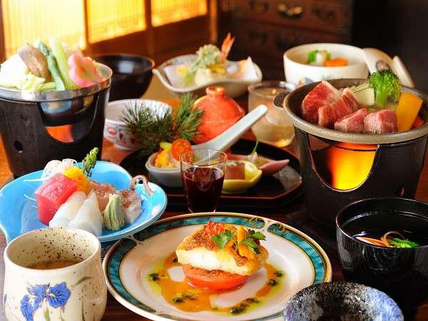 選べる仙台牛の献立はもちろん、魚介類の蒸し物や旬の食材をふんだんに使う夕食(例)