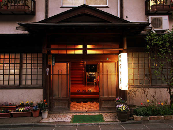 花巻・台温泉 吉野屋旅館の外観