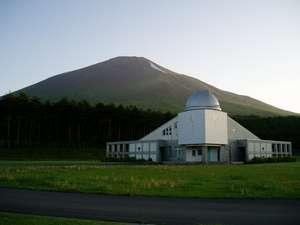 岩手山と天文台