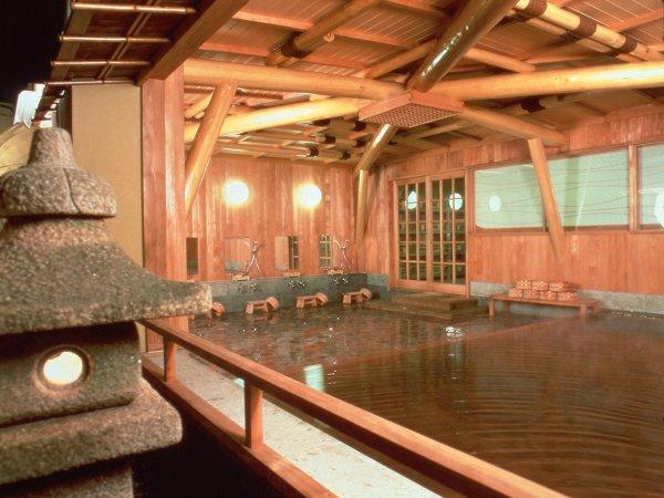 大浴場福寿の湯。源泉掛け流しをお楽しみ下さい。