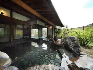 佐賀の紅葉スポット近くの温泉宿・紅葉露天のある宿県 御船山観光ホテル