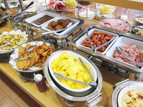 【朝食バイキング】ご朝食は80品を超える和洋バイキングをお召し上がりください。