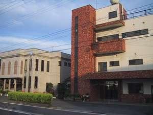 丸三旅館の外観