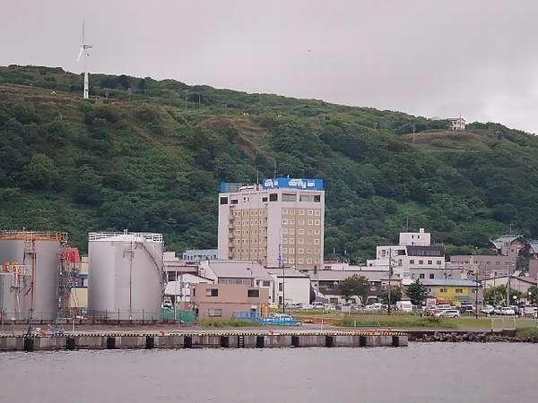 ◆ホテル外観(フェリーターミナルより)