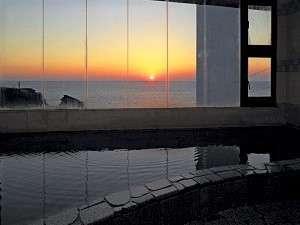 夕日が見える大浴場