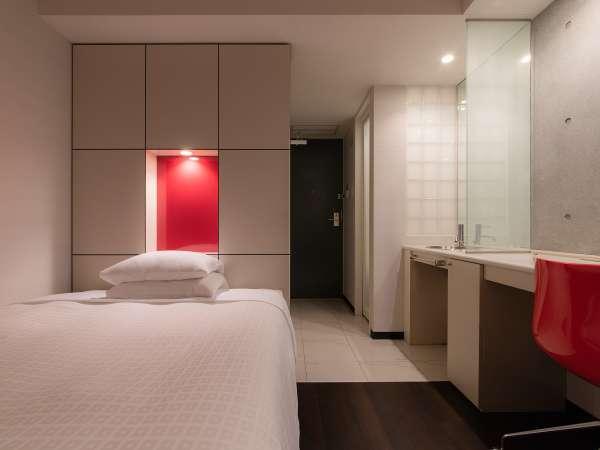 シングルルーム(スタイリッシュタイプ) 15㎡・ベッド幅140センチ。