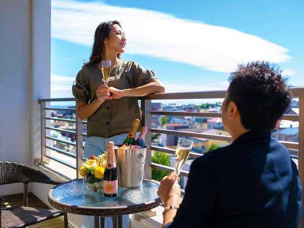 ■客室■全室バルコニー付き。爽やかな港町の風を感じながら愉しむ、非日常のひととき