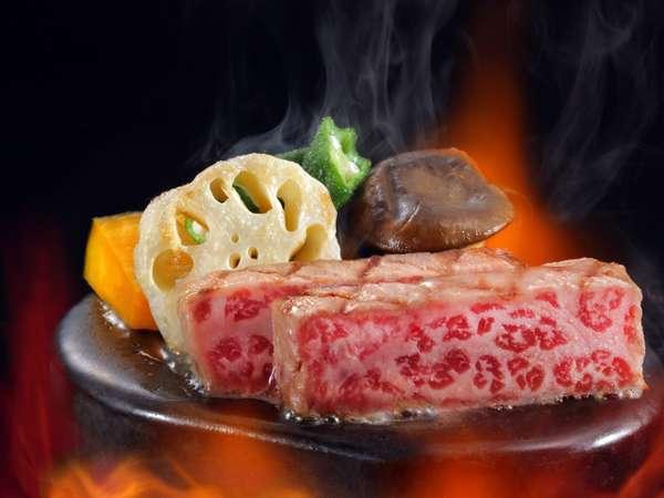 【和牛の石焼き・金目鯛の姿煮付き贅尽くしプラン】地魚刺盛、アワビ、金目鯛、和牛と贅を尽くしたお食事を