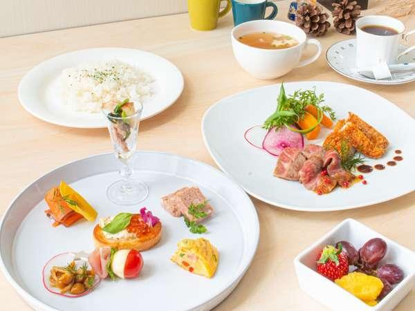 【カフェ利用券1500円☆朝食付】夕食は利用券で空のカフェのお好きなメニュー&朝食バイキング