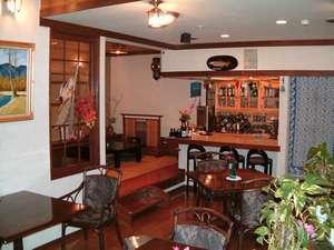 夕食後はカウンターバー「居酒屋」で憩いのひと時をお過ごし下さい。