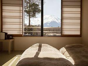 窓から富士山を見える
