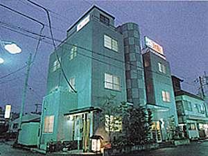 ビジネスホテル地魚料理菊川の外観