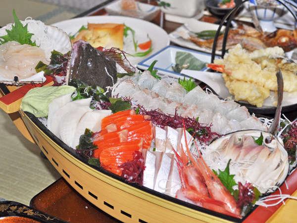 【季節の料理一例】舟盛り