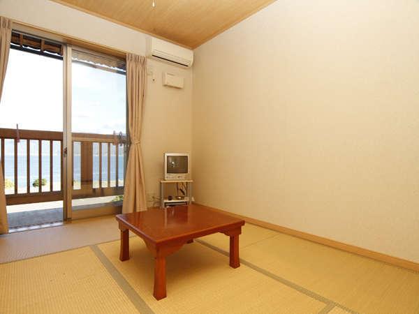和室★「当館はお客様ご自身でお布団をお敷きいただいております。何卒ご了承下さいませ。」