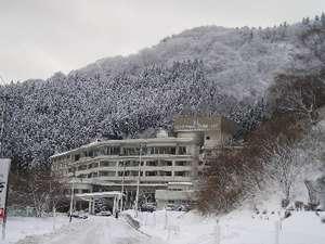 雪化粧の東山グランドホテル