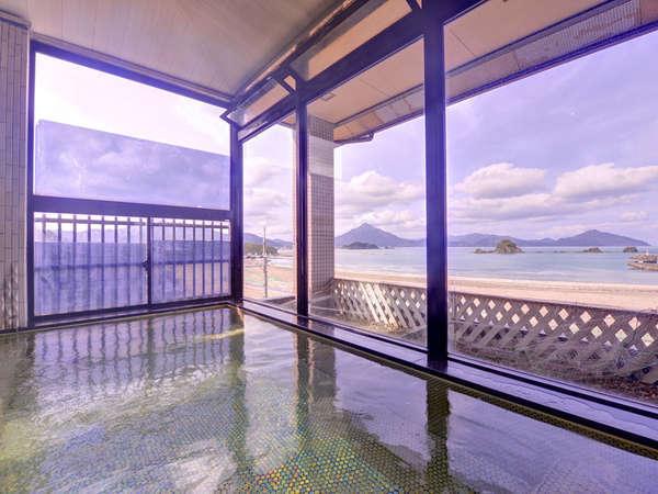 *展望風呂/最上階の展望風呂から紺碧の海を一望!潮の香りと波の音をBGMにお寛ぎ下さい。