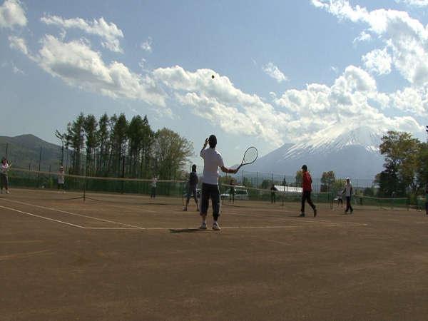 【富士山を見ながらテニスできちゃいます♪】