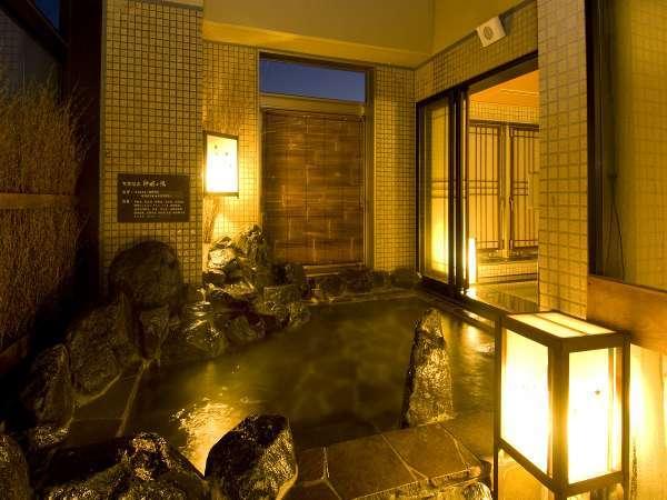 ■女性大浴場「天然温泉露天風呂」(41~43℃)