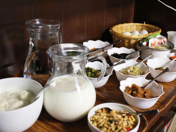 *【朝食(一例)】ハーフバイキングでイロイロなものを食べちゃおう!