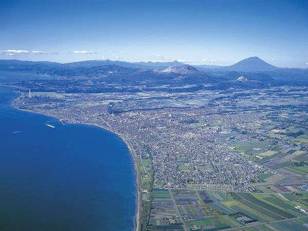 【景観】噴火湾と有珠山に囲まれた伊達市中心部