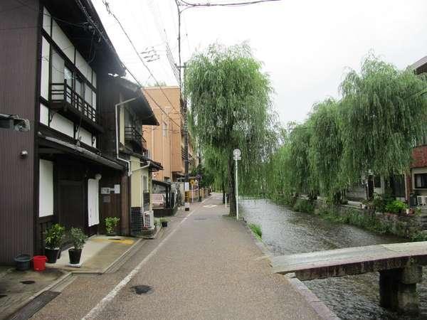 京都 東山三条 白川庵の外観