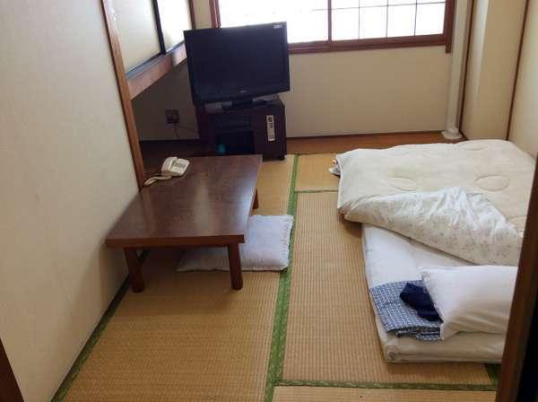 和室3.5畳 男性専用 朝食付3,500円(税別)