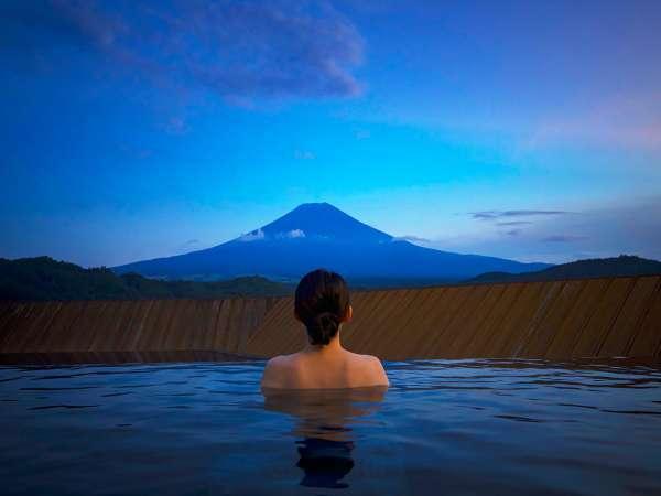 露天風呂富士山/富士山と向かい会う絶景の屋上露天風呂(男女入れ替え制)