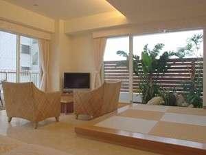 沖縄での素敵な記念日を100平米のお部屋でゆったりとお過ごし下さいませ。