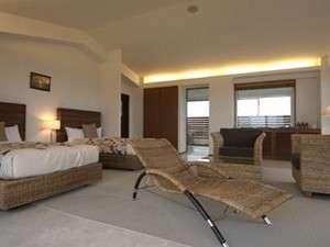 ホッと出来る場所―全室離れ部屋100平米ルームはジャグジー付で優雅で贅沢に沖縄時間をお過ごし頂けます。